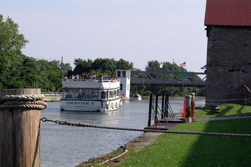 Group Tours of Erie Canal Boat Cruise